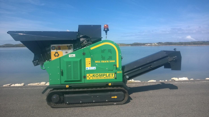 The glass crusher used on Rottnest Island is a Komplet Mill Track M5000