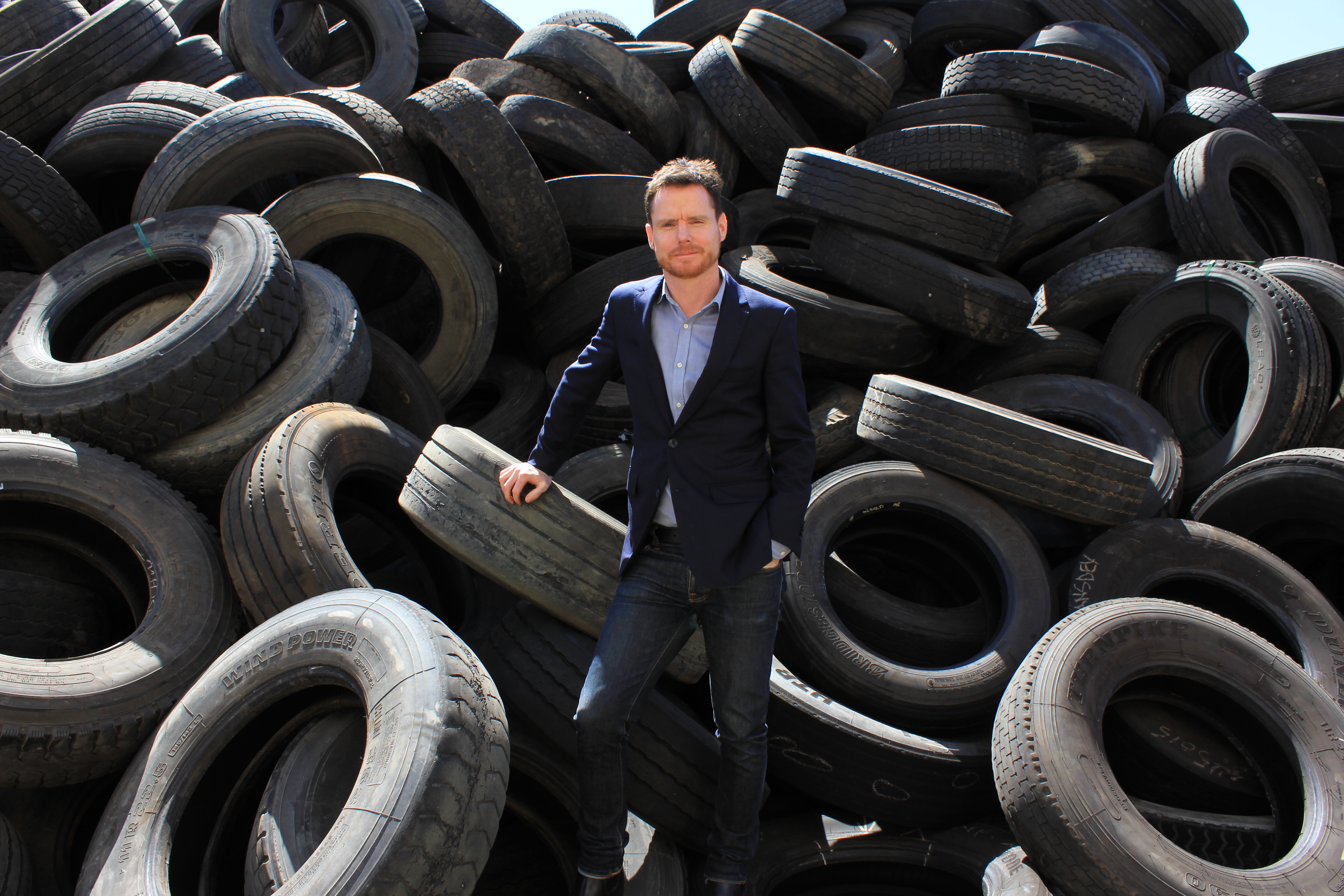 Lomwest build wall of used tyres in WA