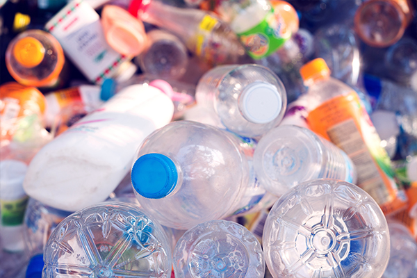 EU signatories commit to using recycled plastic