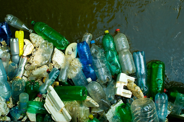Indonesia sends back waste containers