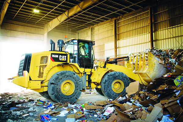 Landfill loading: Caterpillar