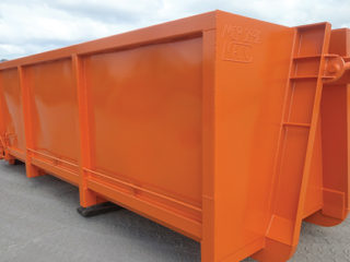 ACT Bins' hooklift manufacturing