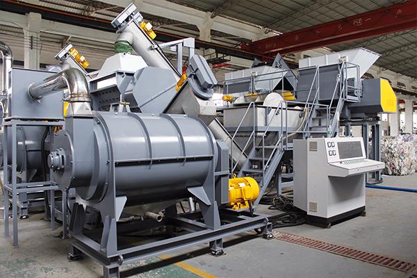 Washing billions of bottles: Applied Machinery