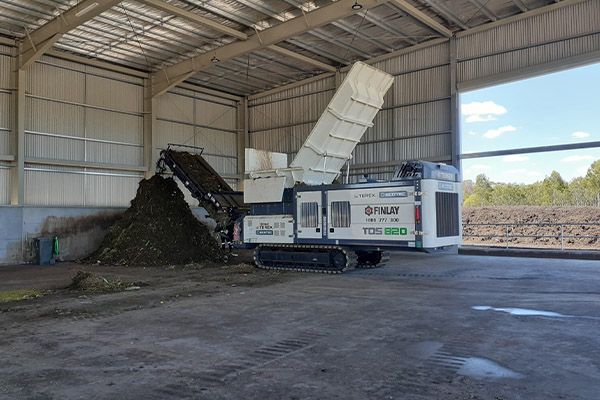 Hydrostatic shredding with Terex Ecotec: Finlay Waste and Recycling