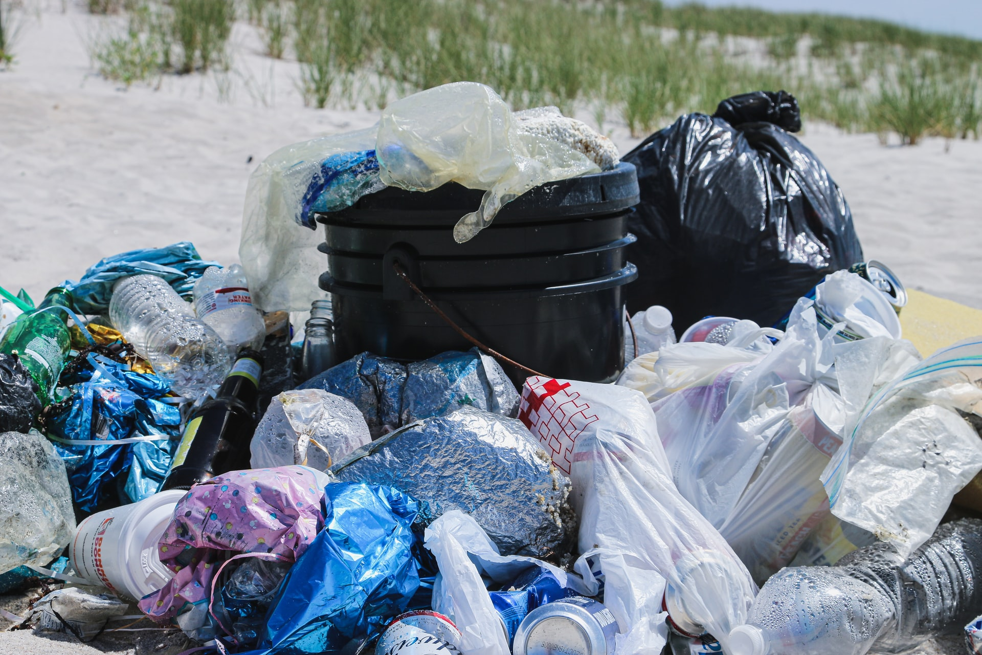 World first plastic ban - Federal Government