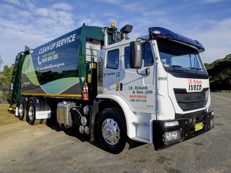 JR Richards new Iveco ACCO compactor waste recycling collections