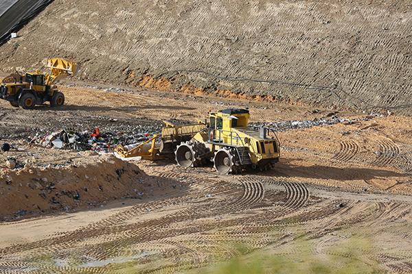 Efficient technology: Position Partners Carlson LandfillGrade